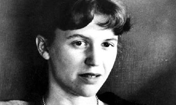 1932. október 27-én született Sylvia Plath