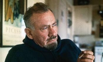 1902. február 27-én született John Steinbeck