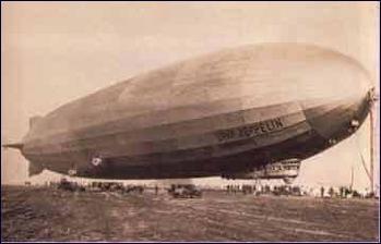 1900. július 2-án szállt fel az első Zeppelin léghajó