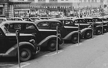 1937. július 16-án állították fel az első parkolóórát
