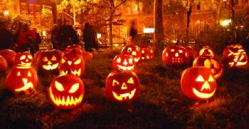 Október 31-e: Halloween ünnepe