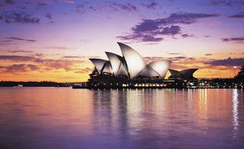 1973. október 20-án avatták fel a sydneyi Operaházat