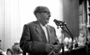 """1957. október 25-én megkezdődött a """"nagy íróper"""""""