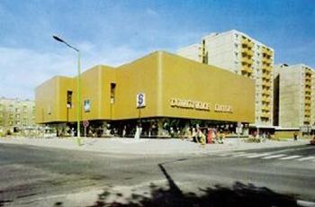 1983. április 23-án megnyílt a dunaújvárosi Skála Áruház